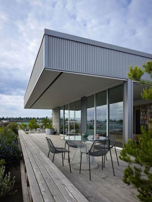Beautiful Rooftop Residence by Miller Hull Partnership - Balcony