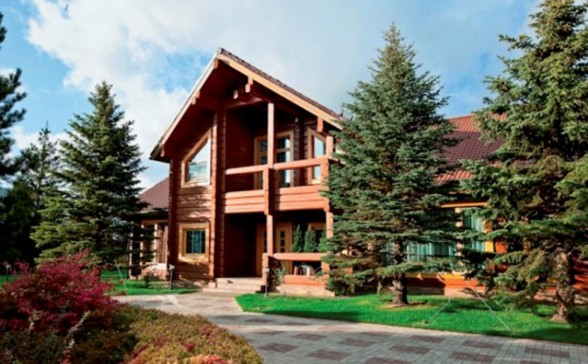 Beautiful Wooden Villa Design with Amazing Fireplace on Russia - Architecture