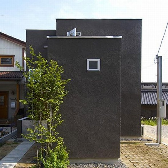 Black Modern House Design from Japanese Architect