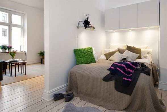 Contemporary Apartment Design in Small Loft Area and Bright Interior - Bedroom