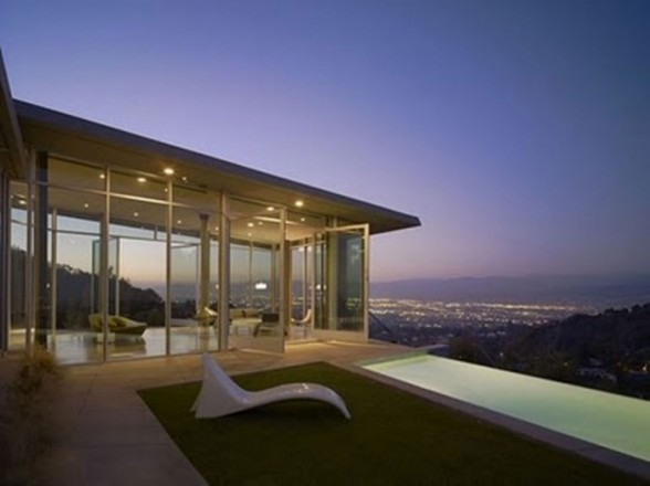 Contemporary House Design with Beautiful Views in LA - Panoramic Views