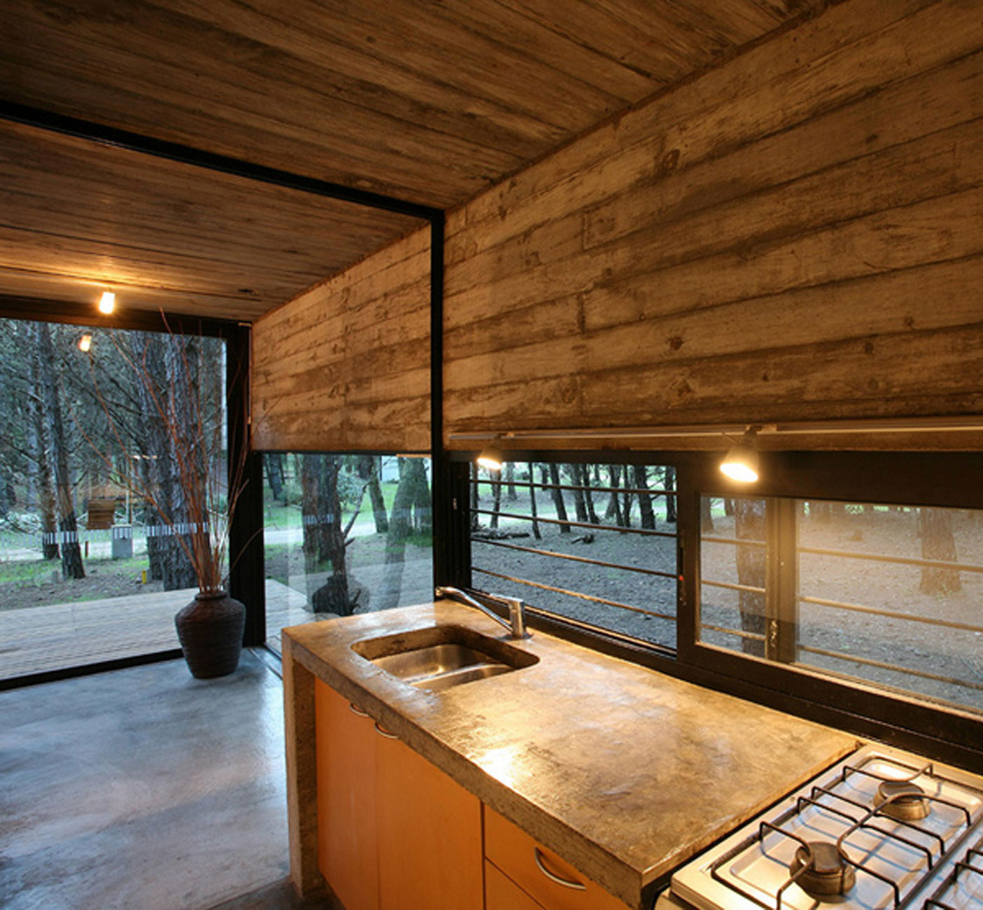 Eco friendly cottage design in argentina kitchen for Eco cabin designs