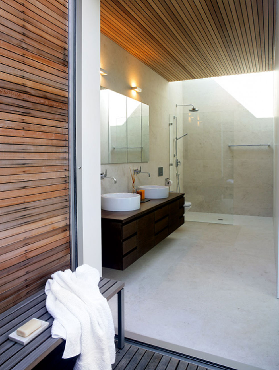 Glass Bungalow Design with Some Wooden Materials - Bathroom