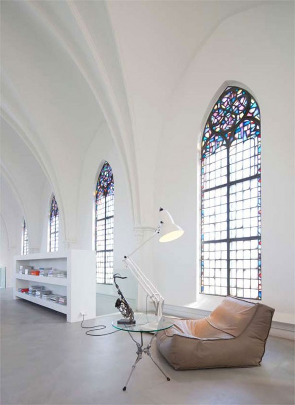 Gothic Church Turned into White Contemporary Home in 2009 - Reading Desk