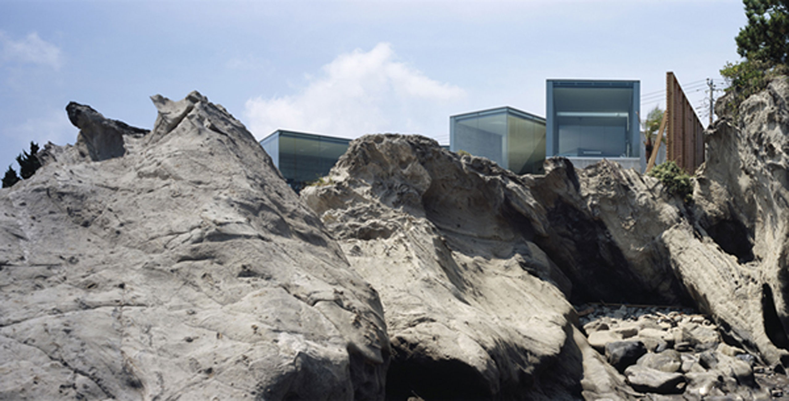 House O, Solid Architecture of a Glass House Design from Japanese Architect - Ocean Pacific Views