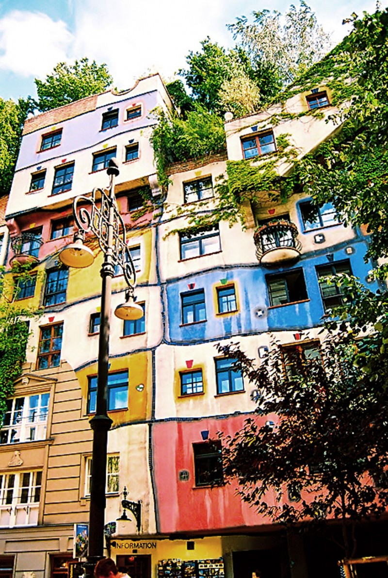 Hundertwasserhaus, Great Green Building Landmarks Of Vienna