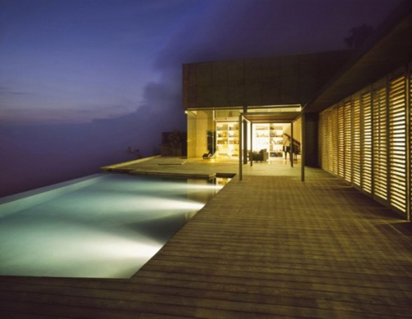 La Casa Jardín del Sol, Modern Glass House Design with Concrete Architecture in Tenerife - Beautiful Pool