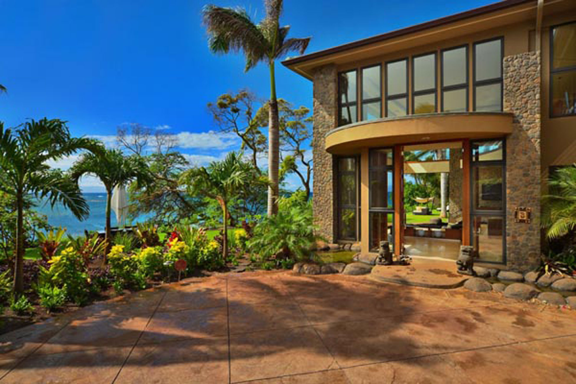 Luxurious Villa Design in Hawaii with Great Landscapes - Architecture