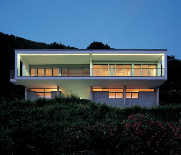 Modern House Design in Italy from Marco Castelletti - Facade