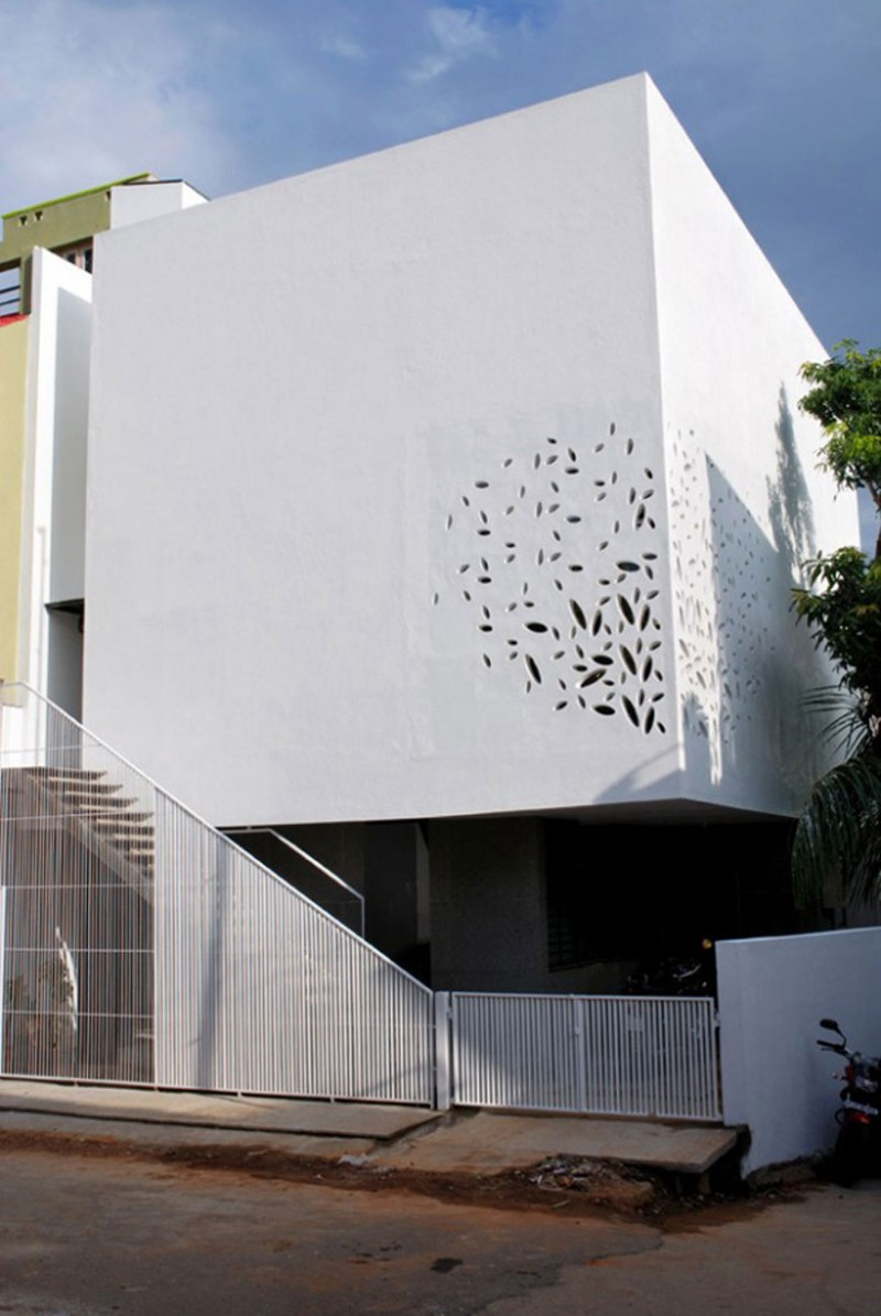 Modern House Design With Beautiful Wall Details In India