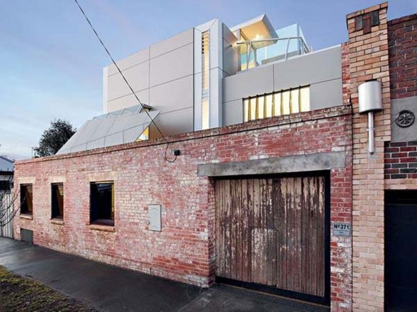 Modern Interior Design of an Industrial Style Home in Melbourne