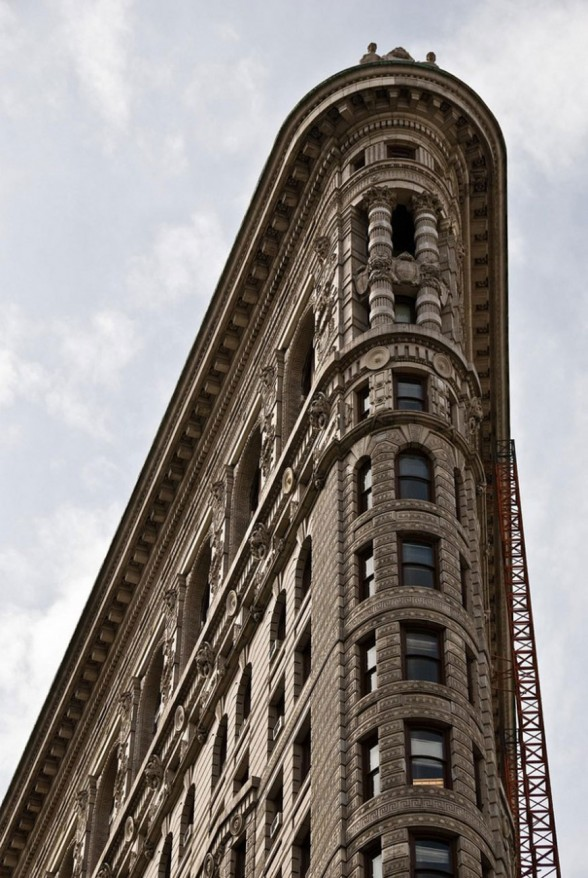 New York Landmark from 1902s, Classic Architecture of the Flatiron - Top of Building