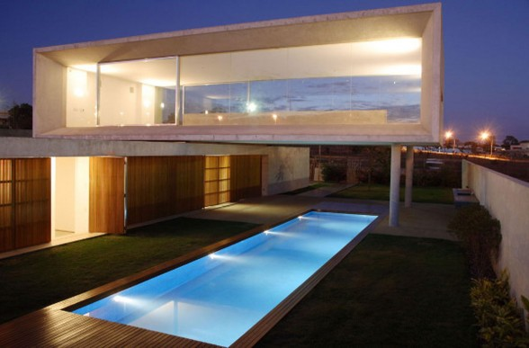 Osler House, Modern House Design with Stunning Architecture in Brazil - Night View
