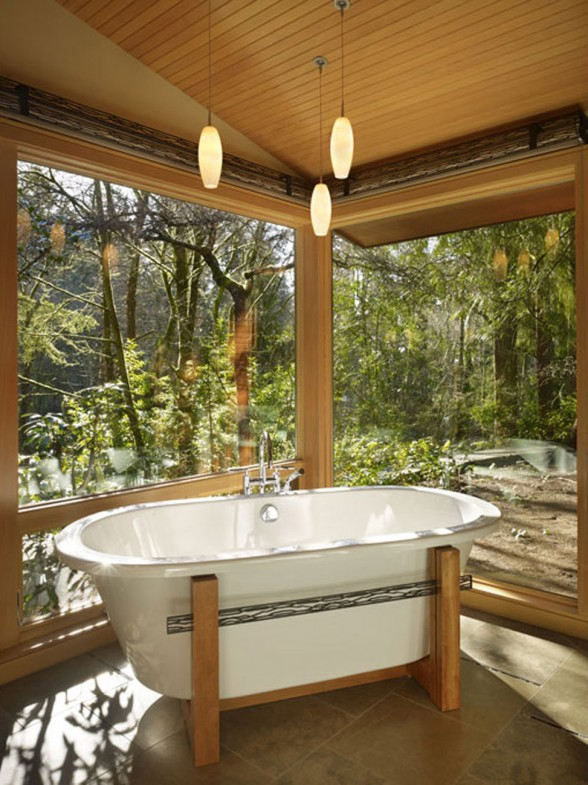 Real Wood House with Forest Environment - Bathtub