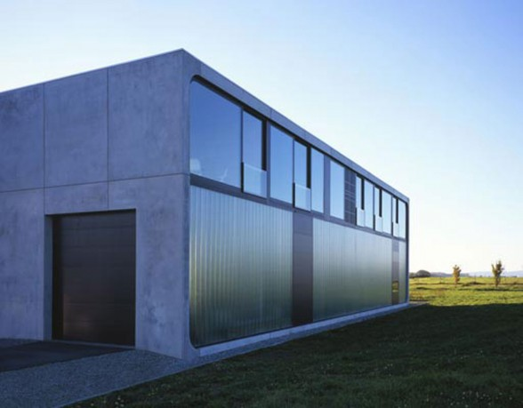Solid Architecture of Haus Bold in Germany - Glass Facade
