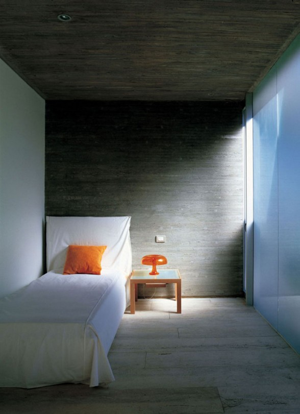 Steel Structure, Glass Façade and Concrete Architecture of a Fabulous House in Chile - Bedroom Design