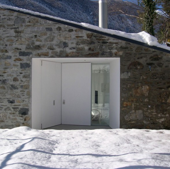 Stone Mountain House Design in Rocky Mountain of Swiss - Entrance