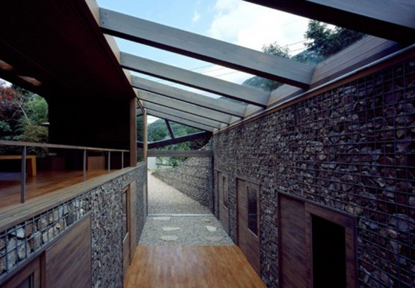 The Beach Valley, a Roof of Glass House Design - Alley