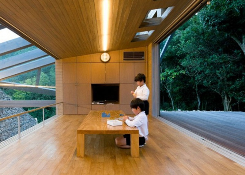 The Beach Valley, A Roof Of Glass House Design   Balcony