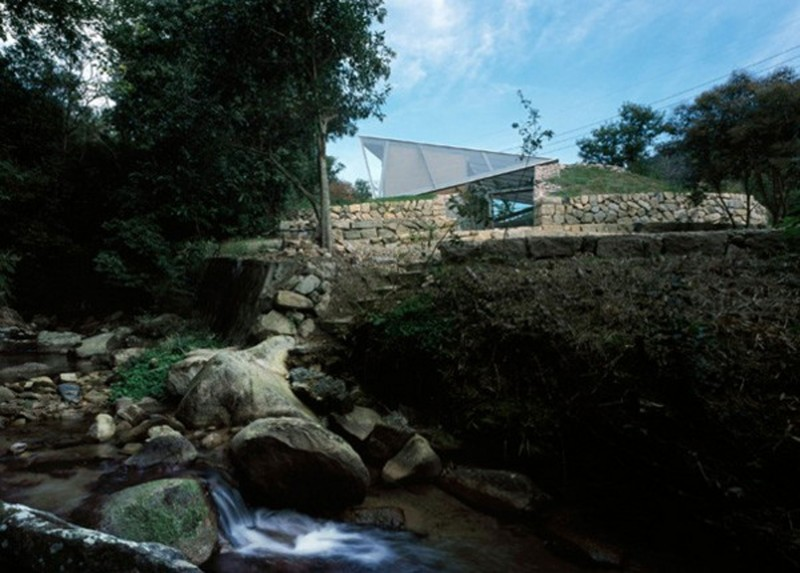 The Beach Valley, A Roof Of Glass House Design   River