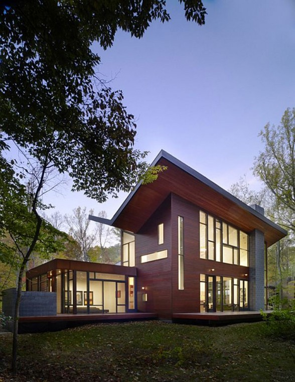 The Harkavy Residence, Wooden House Inspiration by Robert Gurney Architect