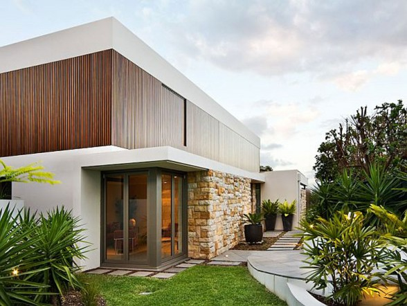 The Mosman, Luxurious Residence in Sydney from Corben Architects with Beautiful Views - with Garden