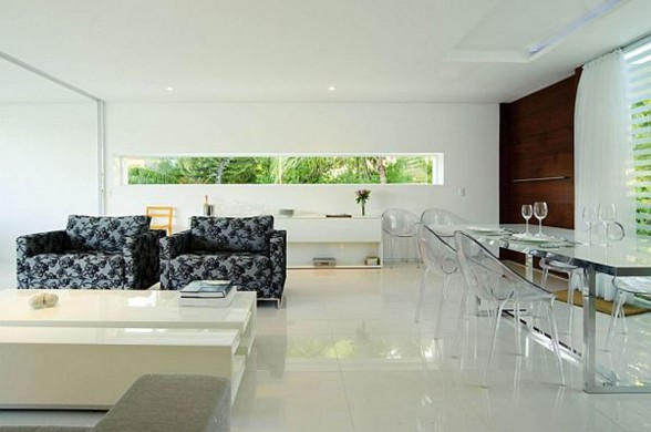 White Contemporary House in Brazil with Swimming Pool - Glass Dining Table