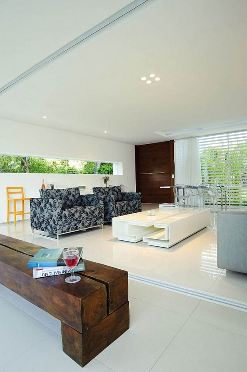 White Contemporary House In Brazil With Swimming Pool Livingroom Viahouse Com