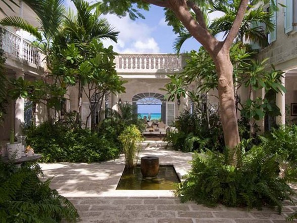Classic Lucsious Barbadian Residence Interior Ideas in British Wes Indies - Garden