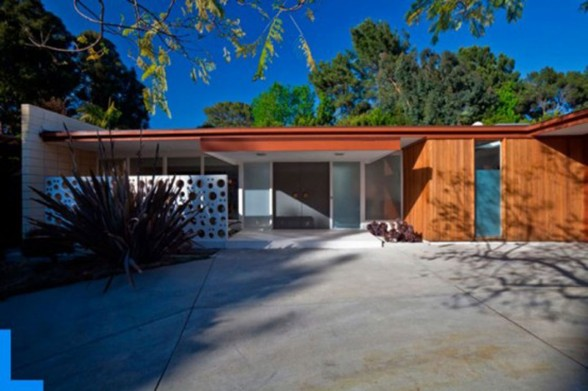One Stair House Design from Hildebrandt Studio on Los Angeles