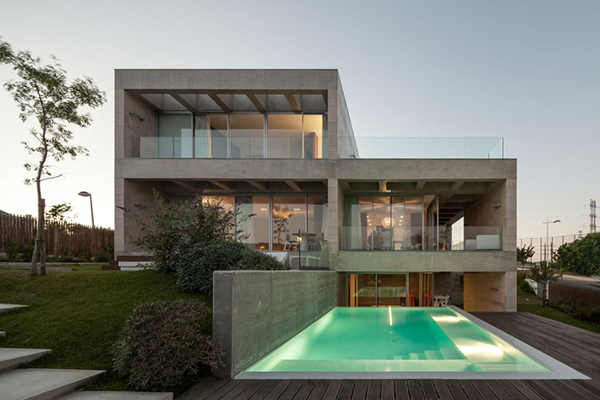 View Swimming Pool of Modern House