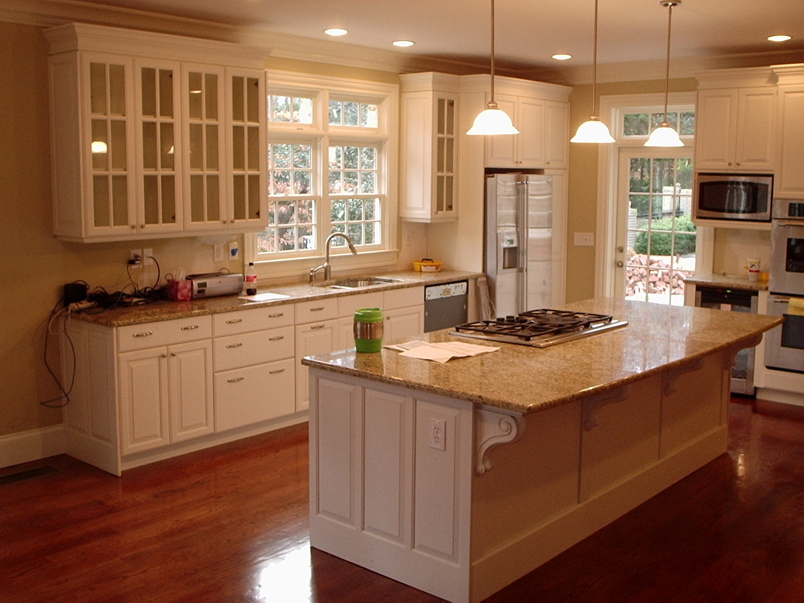 Awesome Kitchen Cabinets Pictures White Color Modern Design Ideas ...