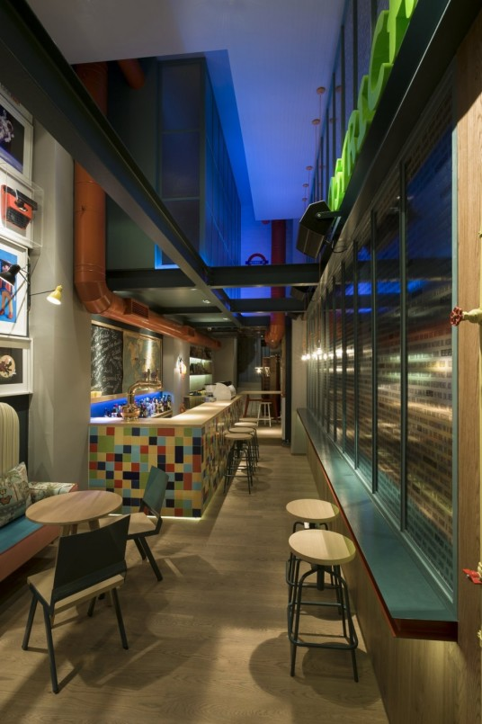 RE Cafe and Dining Bar Design Images