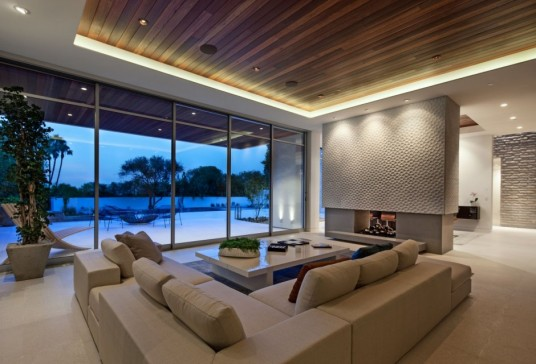 1232 Sunset Plaza Design Living Area