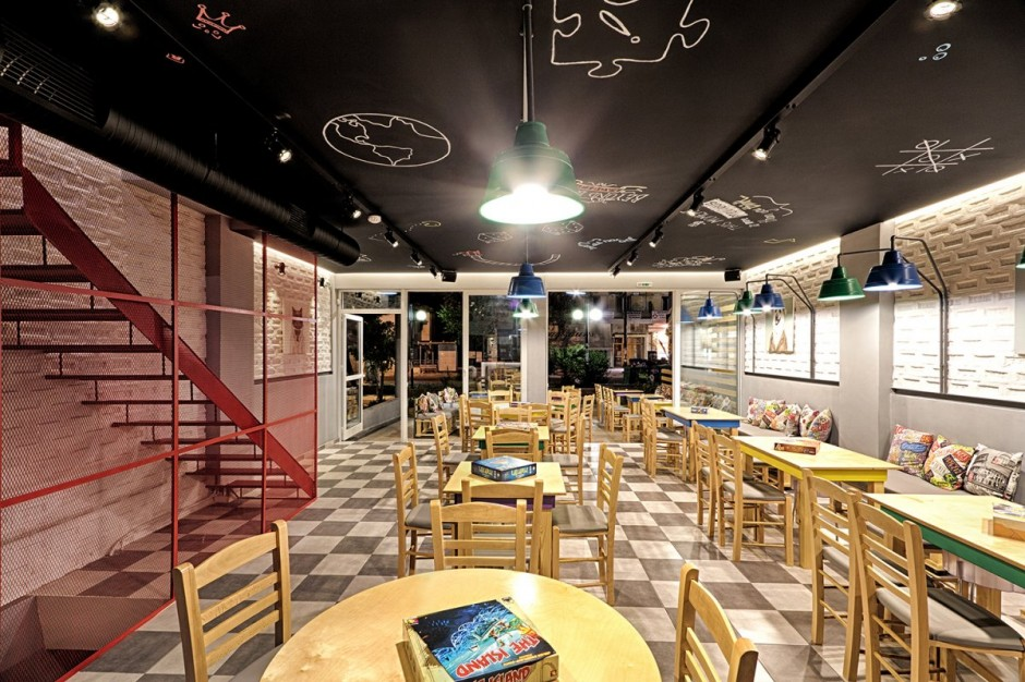Alaloum Board Game Cafe Design » Viahouse.