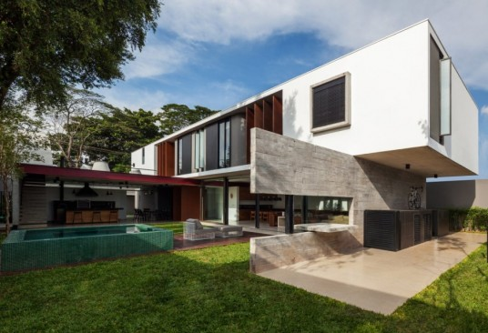 Planalto House Design Garden