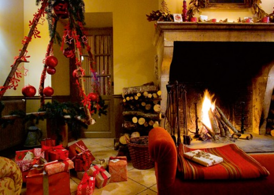 Christmas Fireplace Mantel Decoration