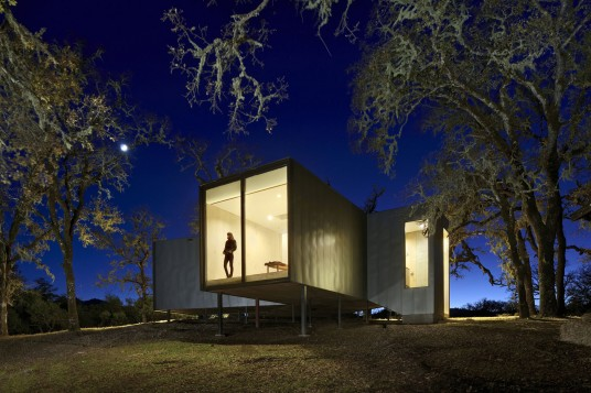 Box Home Design Exterior Bedroom View By Mork-Ulnes Architects