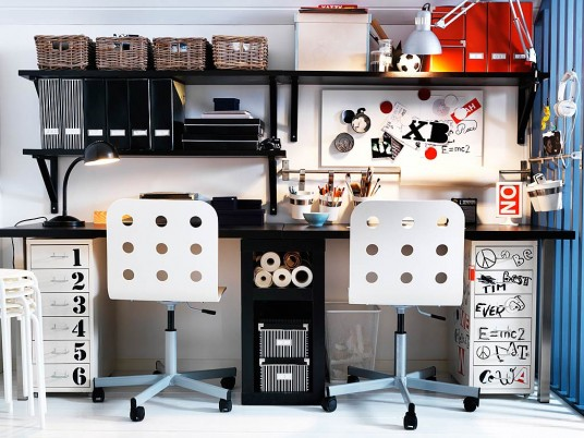 Teenage Workspace Black and White Decor