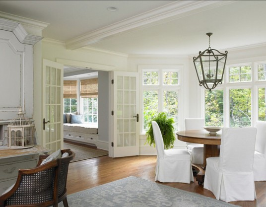 Colonial House Dining Room Design with Natural Exterior View