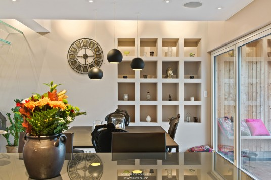 Contemporary Apartment Dining Room with Three Pendant Lamp