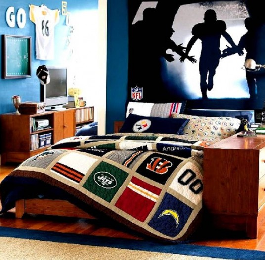 Men Bedroom Paint Idea with Baseball Theme