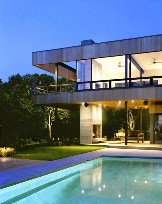 big house architecture with swimming pool