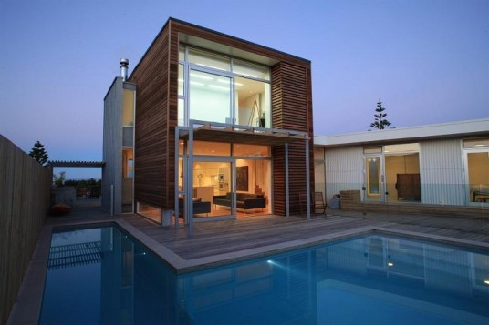 modern beach house designs with swimming pool