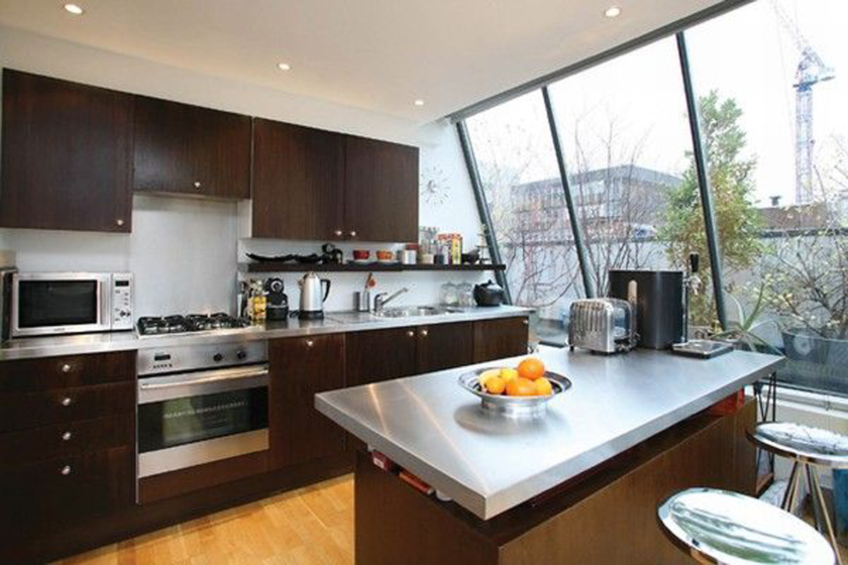 Contemporary Apartment Design in Classy City London – Kitchen