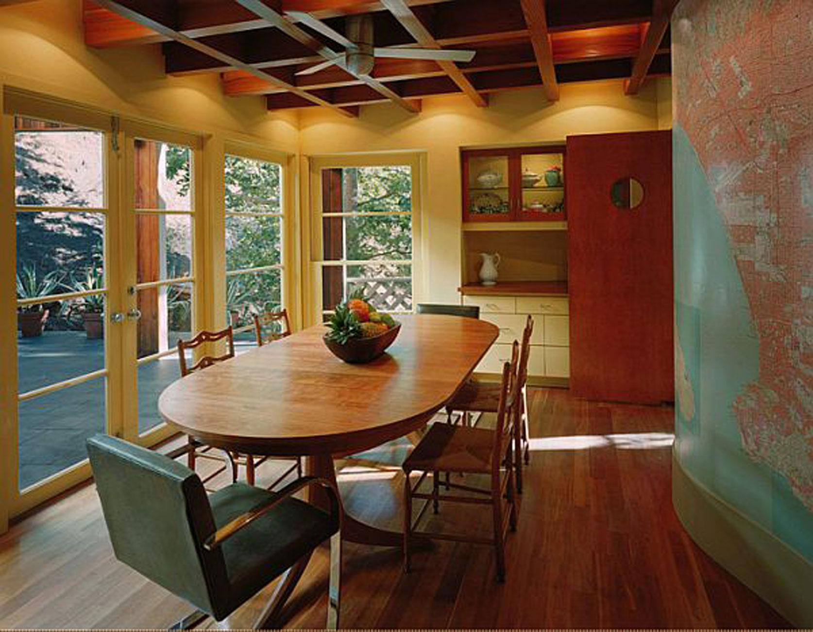 » Contemporary Mountain House With Wooden Interior Design
