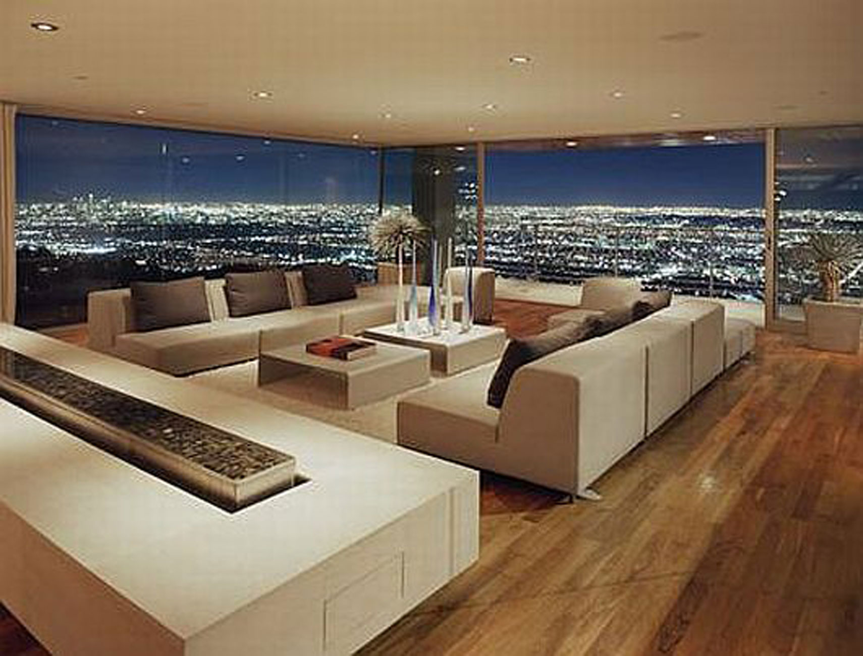 Luxury Residence with Breathtaking Views in Hollywood Hills ...