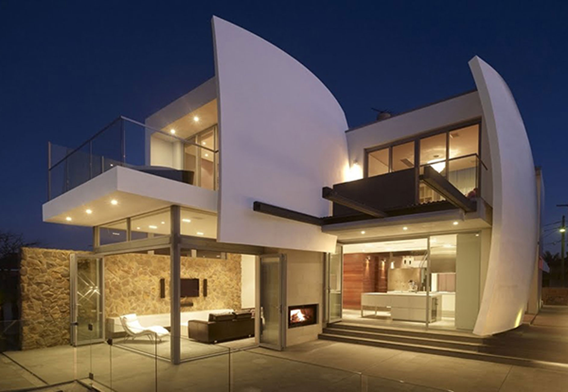 Luxurious Home Design With Futuristic Architecture In Australia
