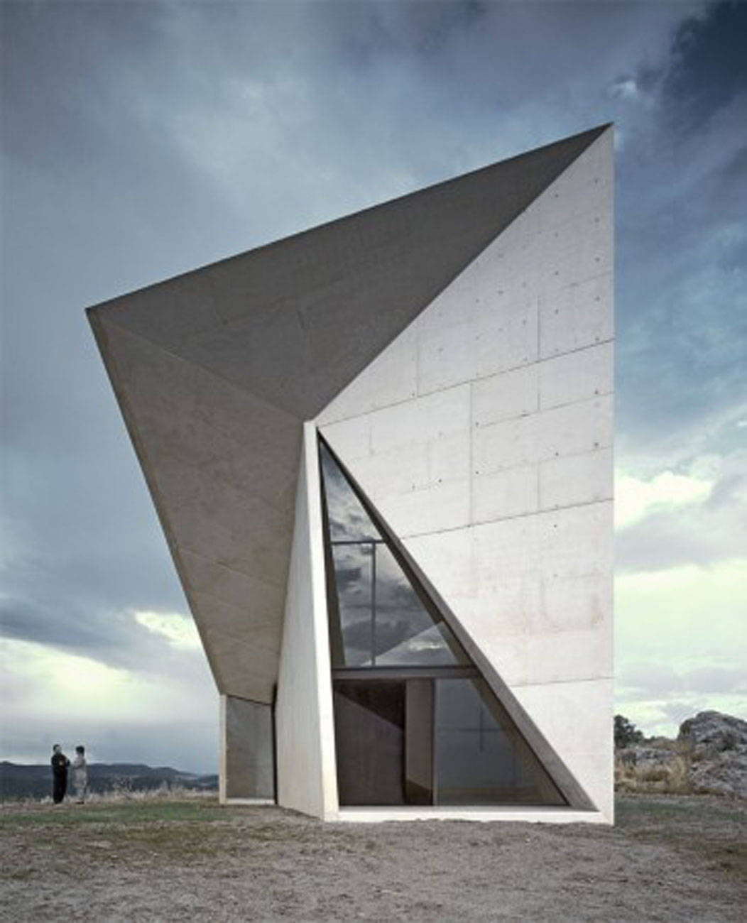 modern spanish chapel architecture from smao glass windows
