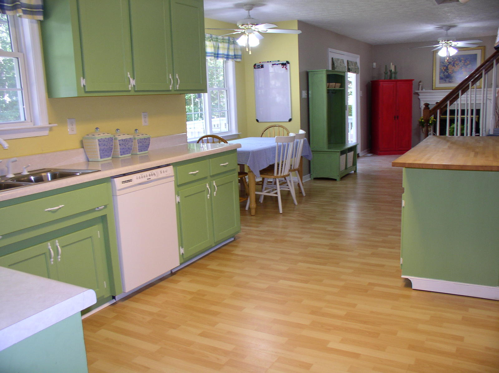Fascinating Green Kitchen Cupboards Ideas Yellow Backsplash ...